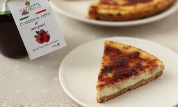 Cheesecake con confettura di lamponi