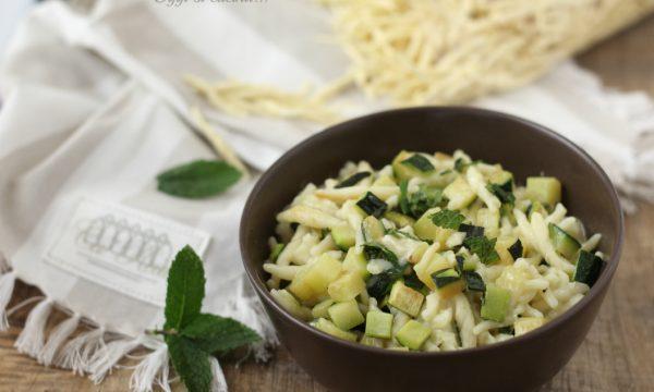 Trofie con zucchine e brie