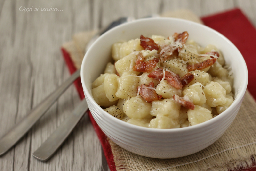 Gnocchi di patate alla gricia ricetta facile for Piatto tipico romano