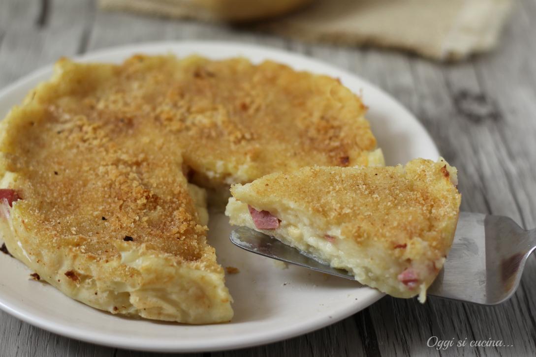 Torta di patate con mortadella e scamorza