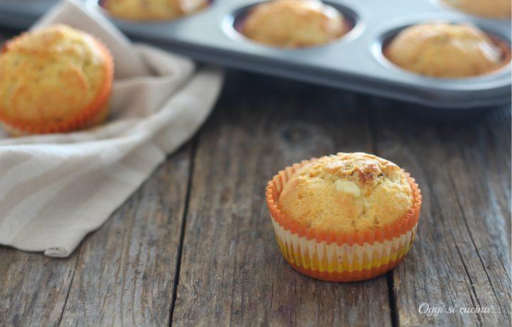 Muffin con pomodori secchi e fontina