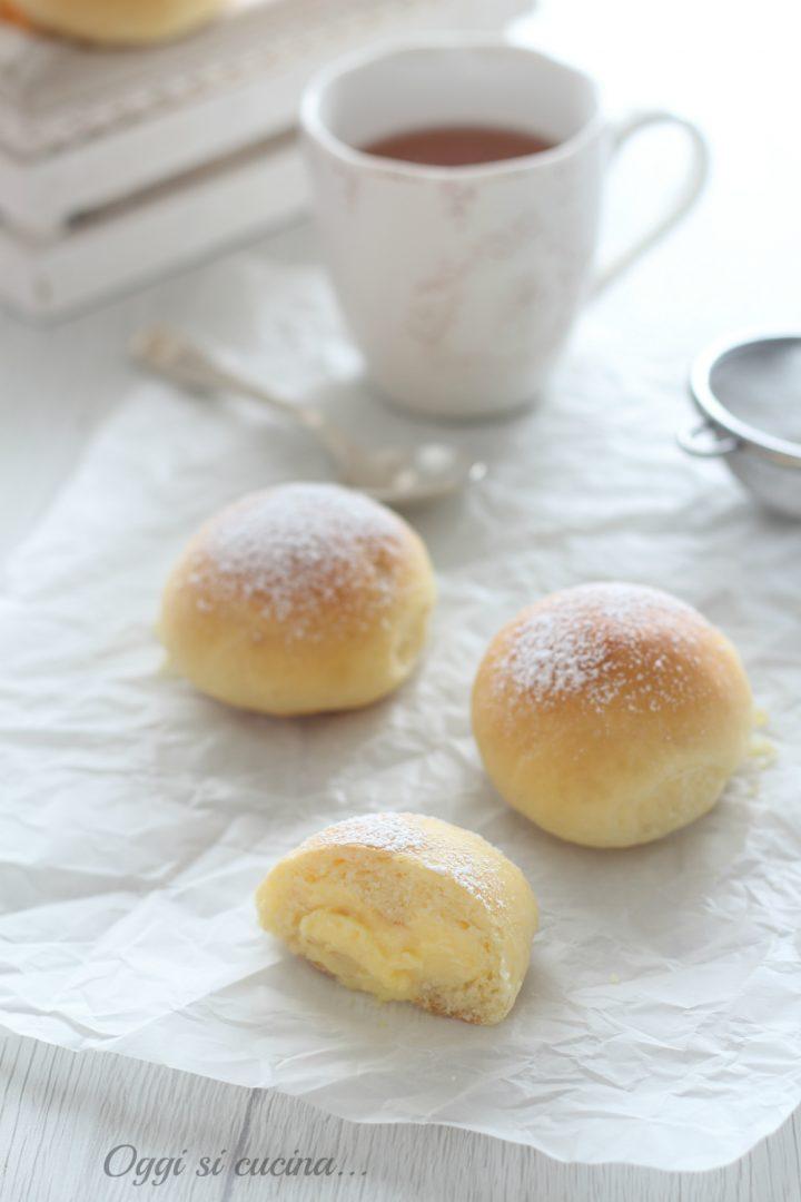 brioche con crema al limone