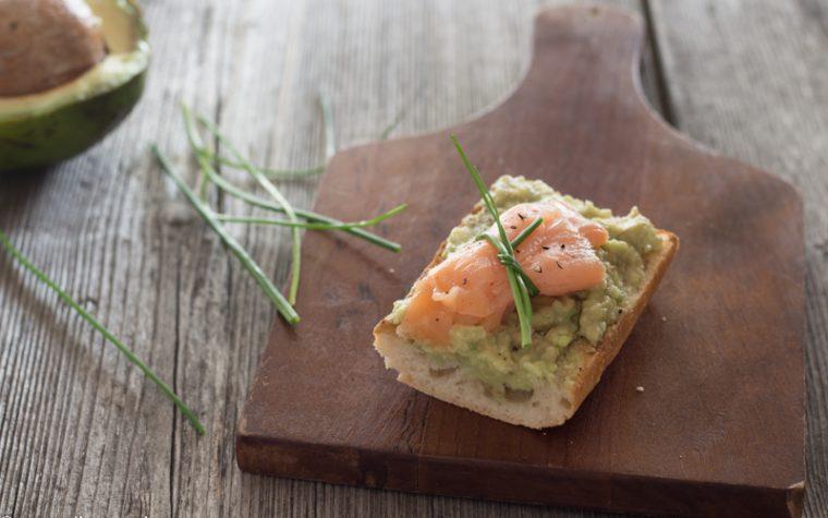 Bruschetta salmone e avocado