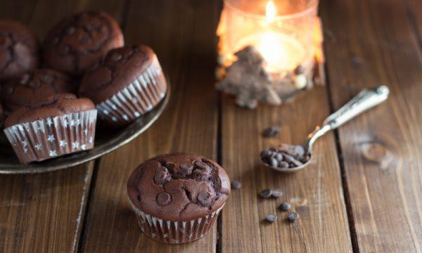 Muffin soffici al cioccolato fondente