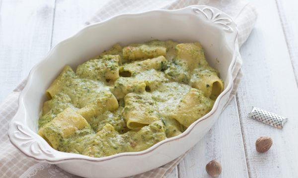 Paccheri al forno con zucchine e pesto
