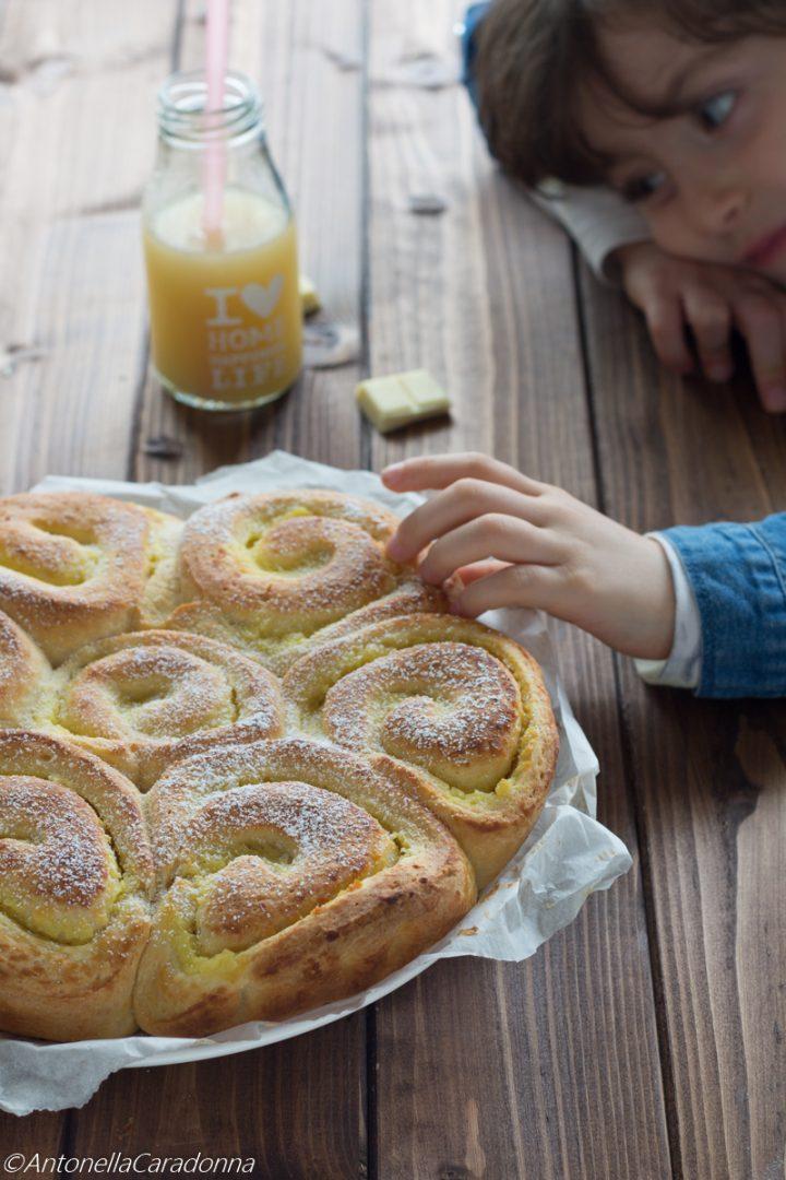 torta di rose con crema al limone e cioccolato bianco