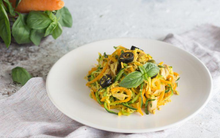Spaghetti di carote e zucchine al tonno