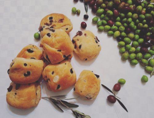 Bocconcini di pane alle olive: ricetta sarda