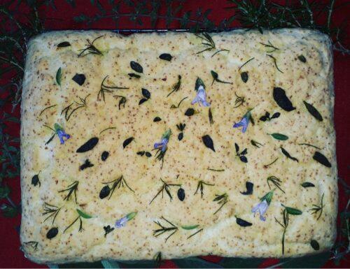Focaccia gluten free alle erbe aromatiche e mandorle