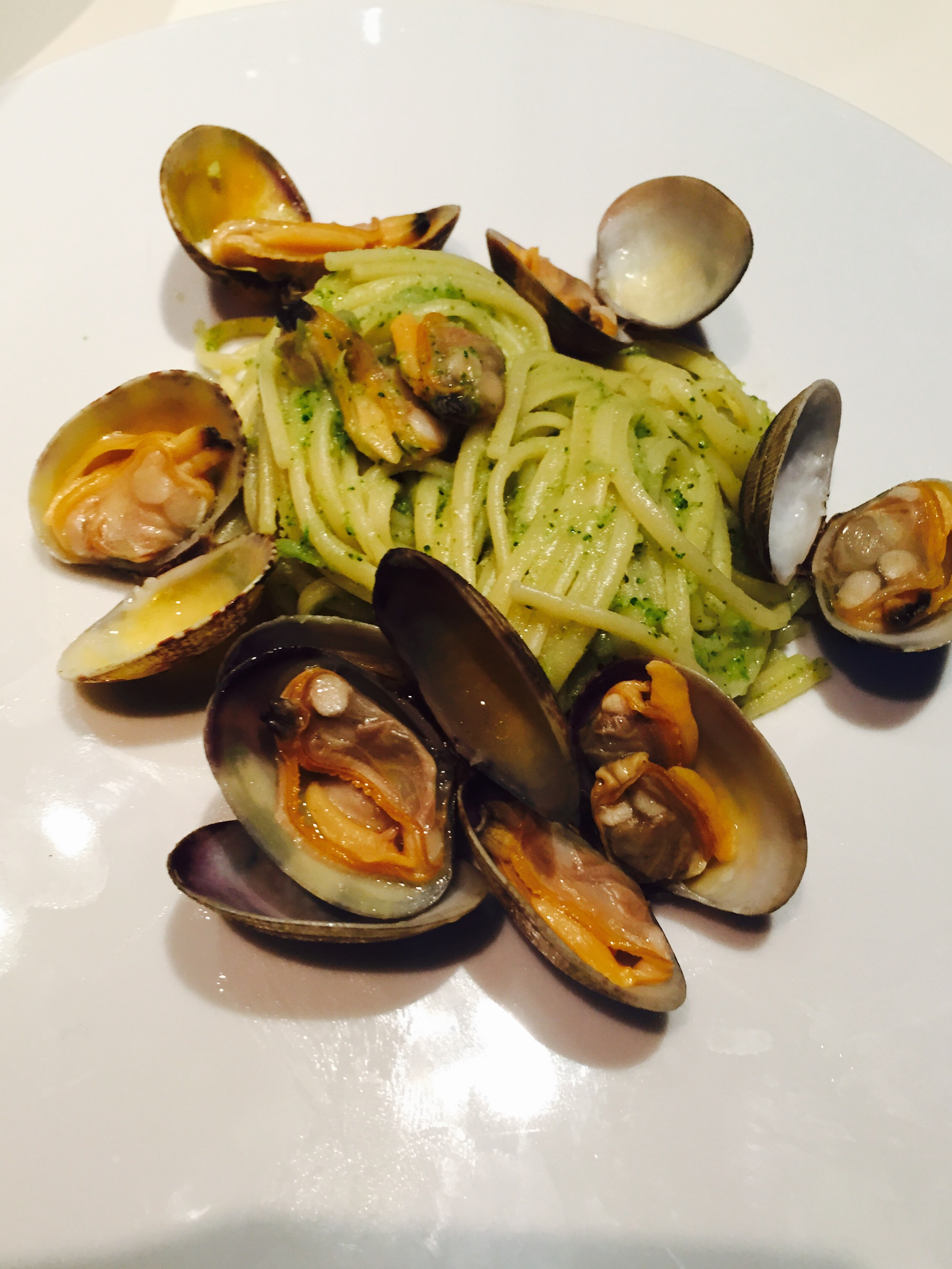 Spaghetti con crema di broccoli e vongole – Broccoli cream and clams ...