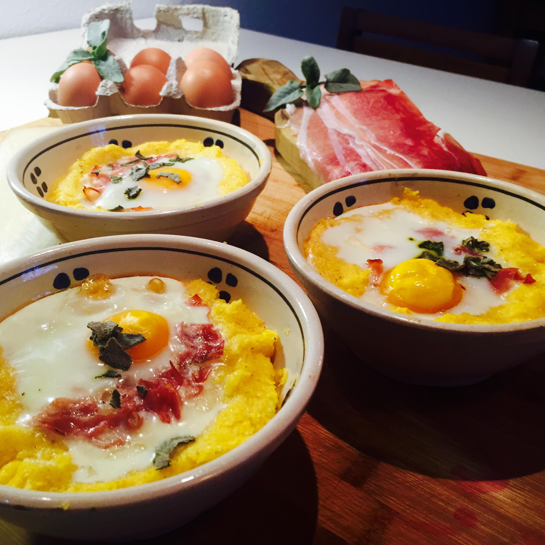 Tortini di polenta integrale con fontina speck e uova