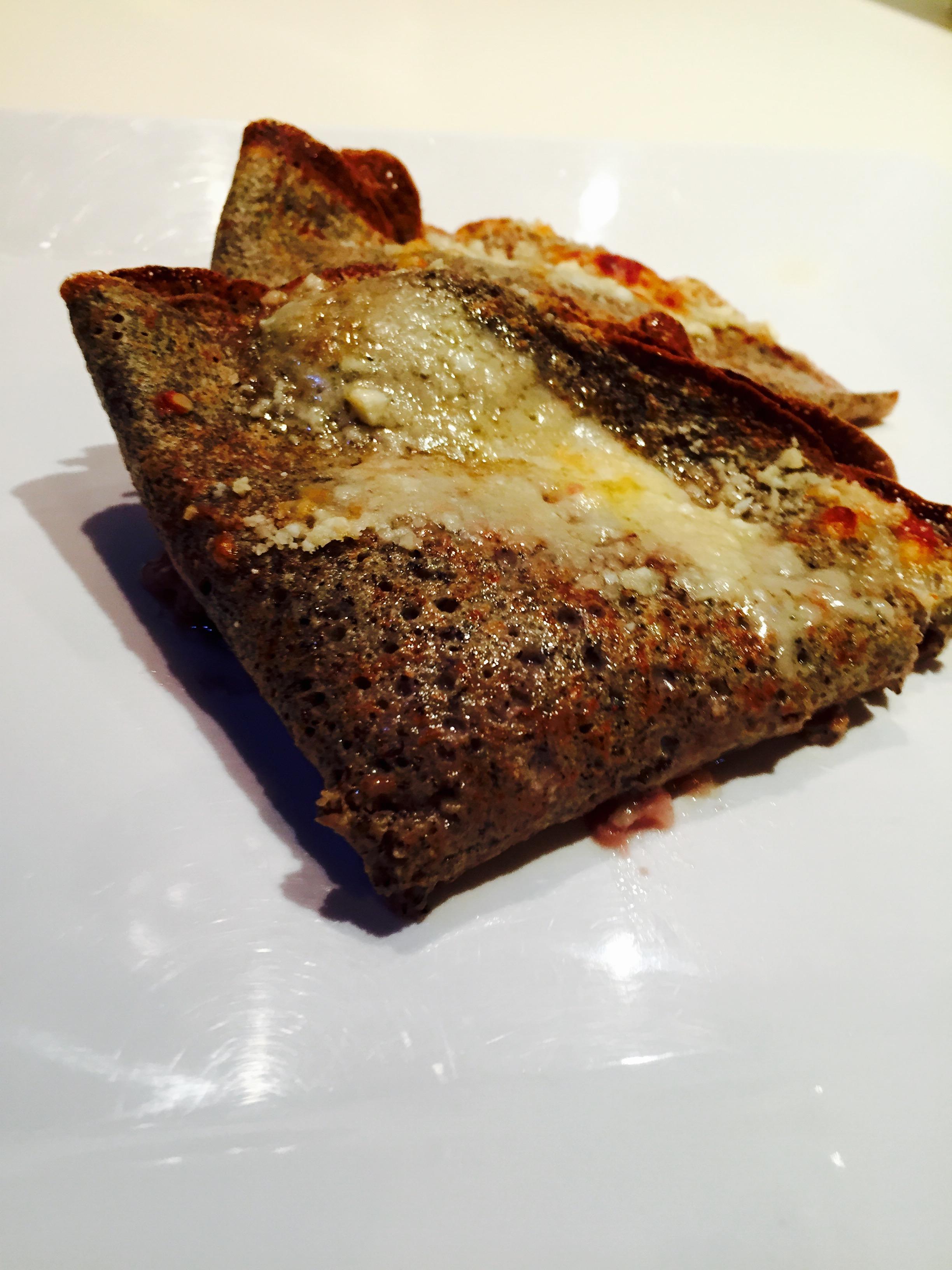 Crespelle di grano saraceno con radicchio e gorgonzola