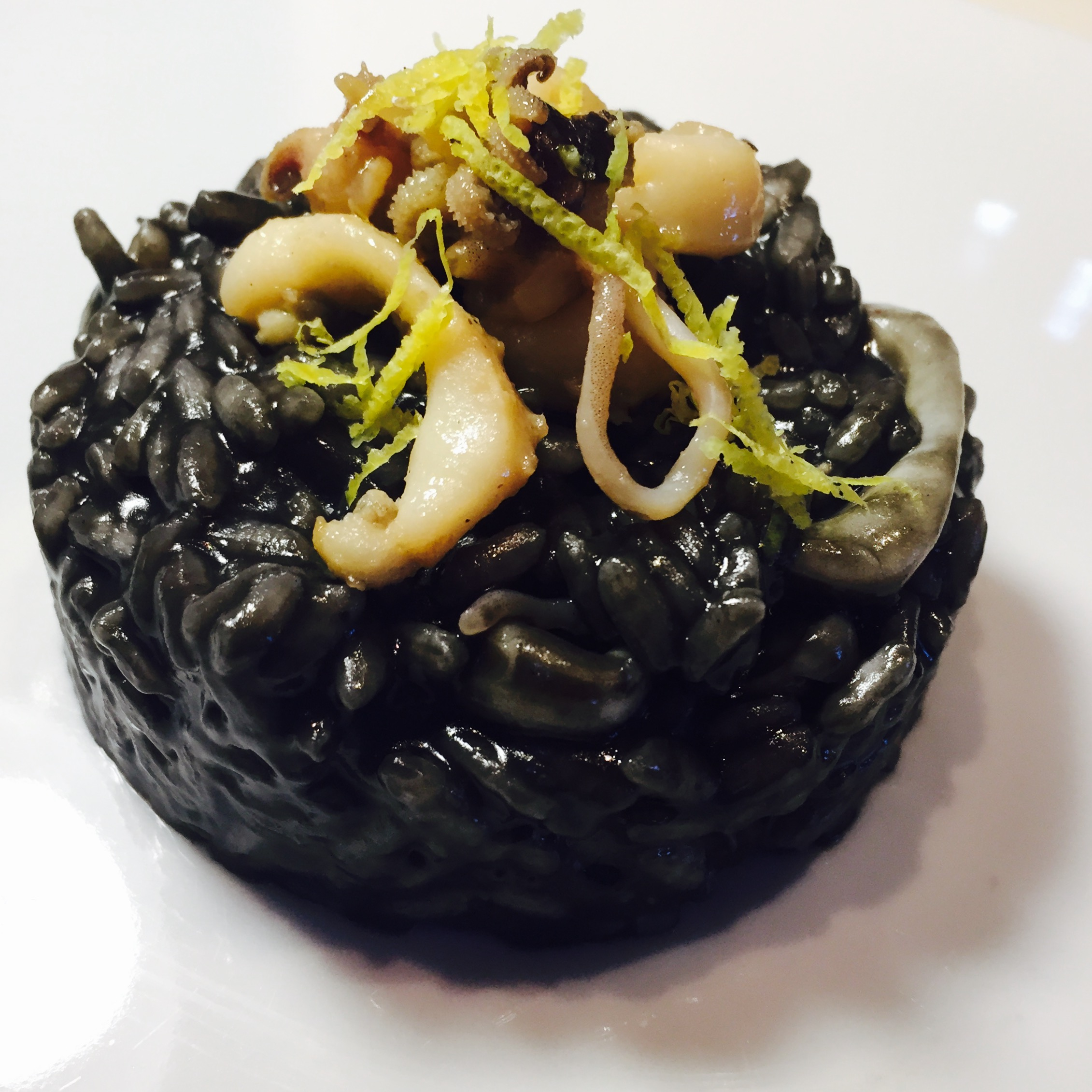 Risotto al nero di seppia con seppie e limone squid ink for Limone nero