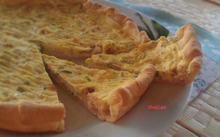 Crostata salata con zucchine e prosciutto cotto