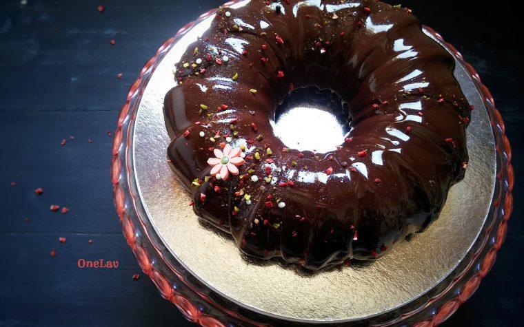 O è bianco o è nero.. o forse no.. torta cremosa al cioccolato di Maurizio Santin