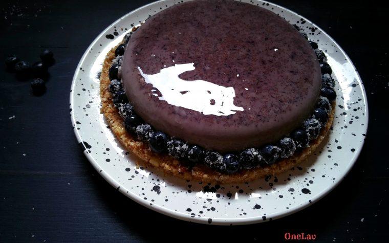 Torta cremosa con mousse ai mirtilli (senza cottura)