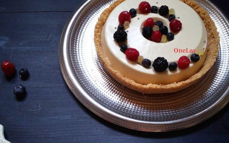 Torta con mousse al limone modello cheesecake senza cottura