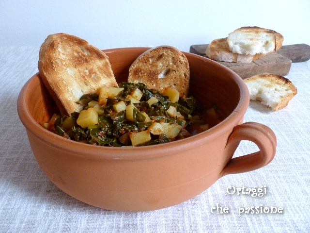 Zuppa con cavolo nero e patate ortaggi che passione