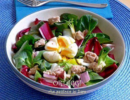 Insalata di radicchietto verde, uova e tonno