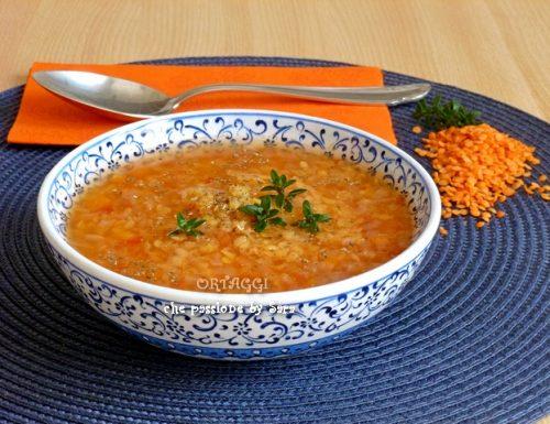 Zuppa di lenticchie rosse, minestra di legumi veloce