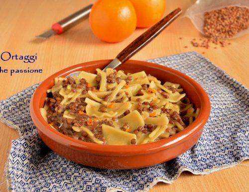 Pasta e lenticchie, mischiato delicato di Gragnano