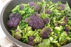 Broccolo viola cotto in padella, come cucinarlo