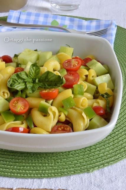 Pasta fredda con verdure crude ortaggi che passione for Decorazioni con verdure e ortaggi
