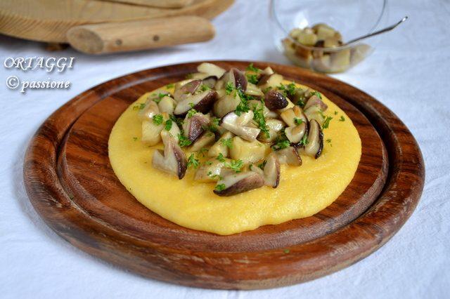 Polenta e porcini, polenta con funghi