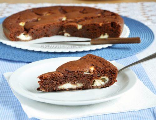 Torta al cioccolato morbida, umida con mascarpone