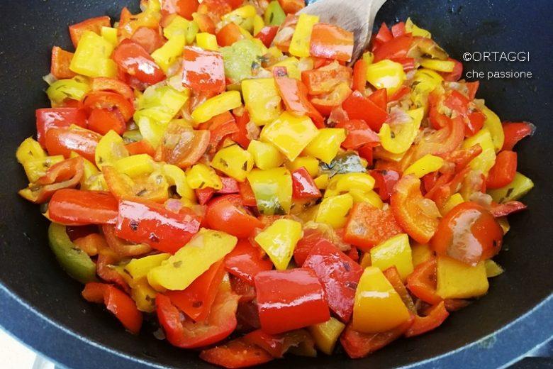 Peperoni in padella, con cipolla o senza