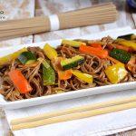 Soba noodles alle verdure, ricette facili giapponesi