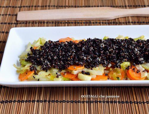 Quinoa con verdure saltate in padella