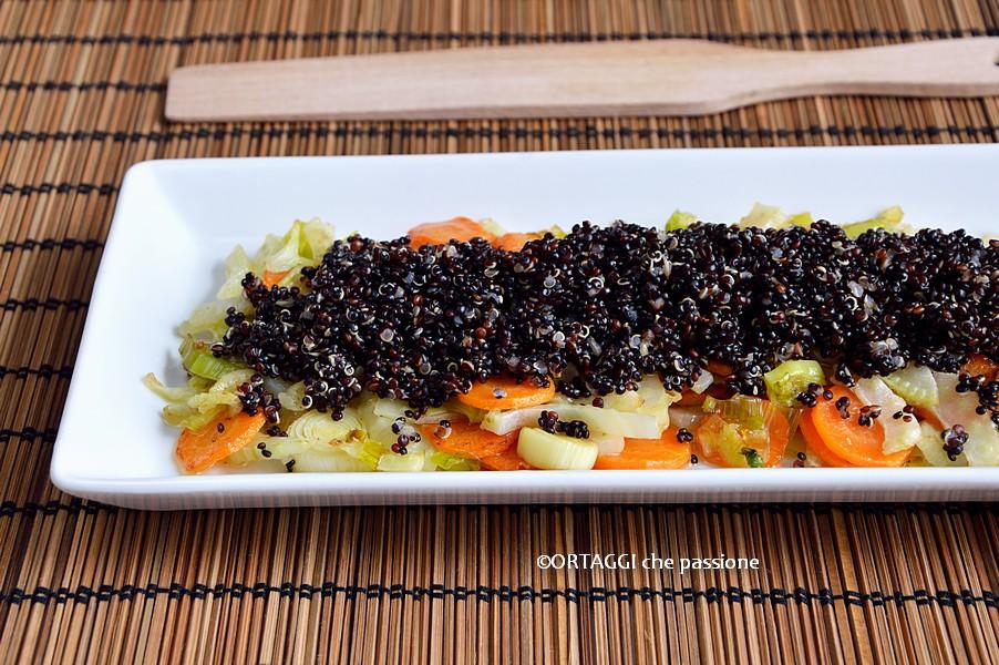 Quinoa con verdure autunnali saltate in padella