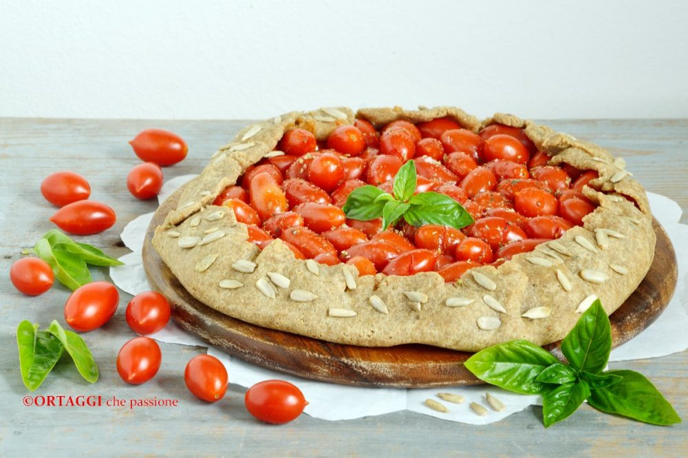 Galette salata vegana ai pomodorini rustica