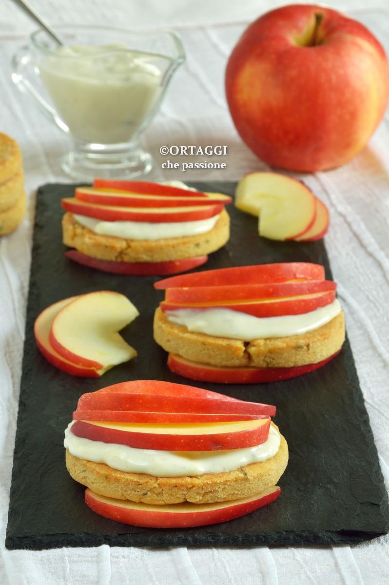Antipasto con mele e formaggio