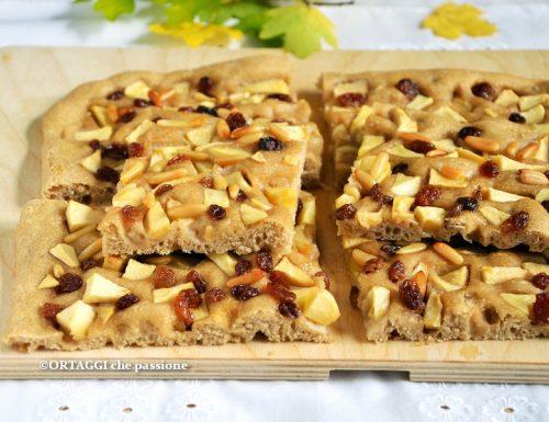 Focaccia di mele morbida – gusto strudel