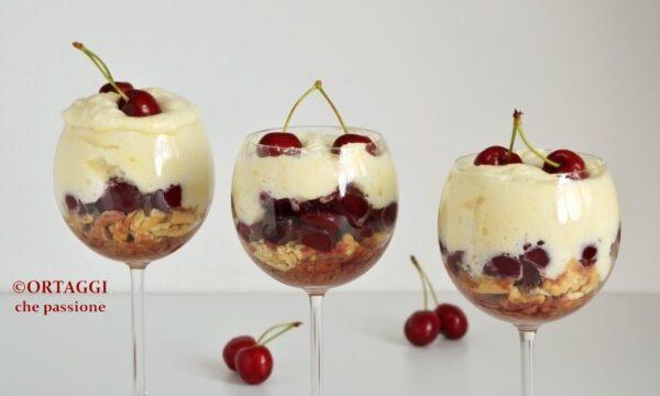 Tiramisu alle ciliegie in bicchiere – golosissimo