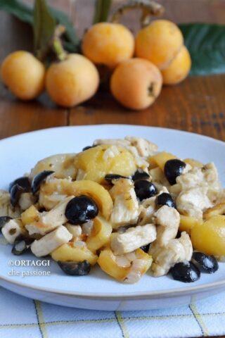 Straccetti di Pollo con nespole e olive