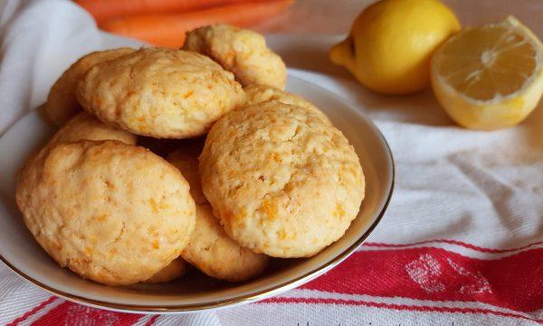 Biscotti ACE con agrumi e carote