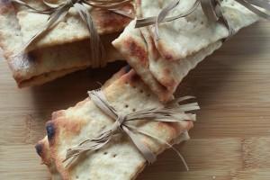 Crackers Integrali Cotti in Padella (con esubero lievito madre)