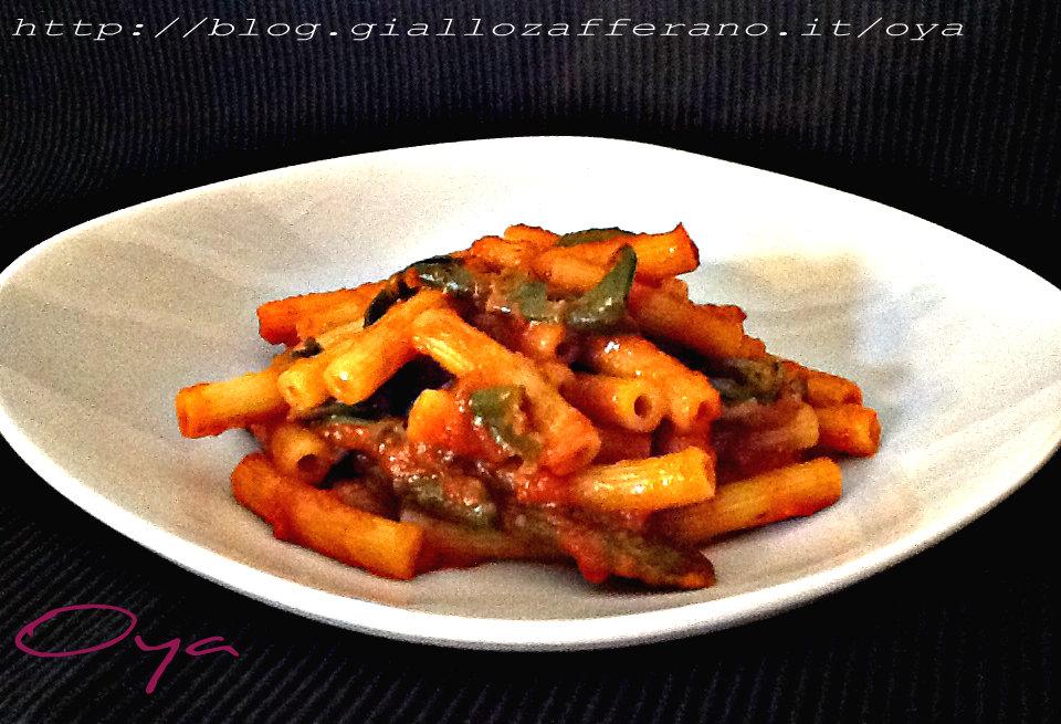 Pasta con peperoncini verdi, ricetta primo piatto | Oya