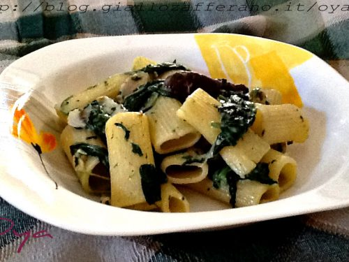 Rigatoni spinaci e funghi porcini, ricetta primo piatto
