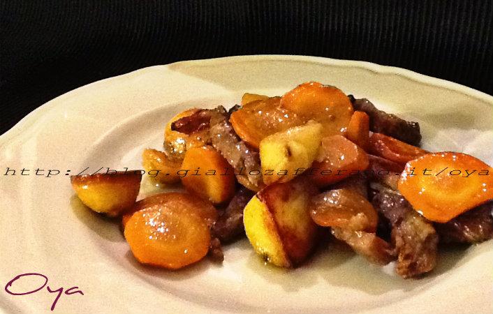 Straccetti di carne al forno con patate e carote ricetta for Cucinare carote