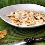 Farfalle al salmone, ricetta raffinata semplice | Oya