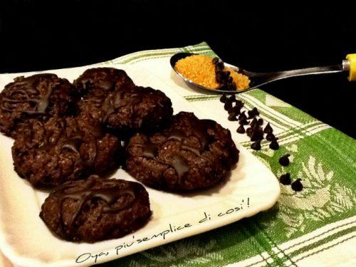 Biscotti al cioccolato con glassa, ricetta dolce