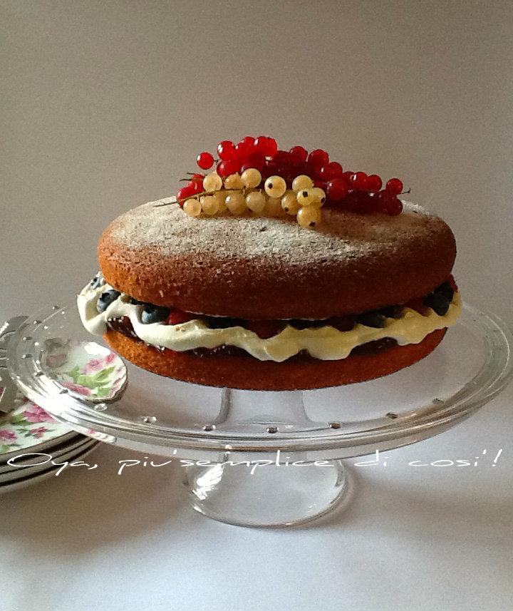 Victoria Sponge Cake, ricetta dolce alla frutta | Oya