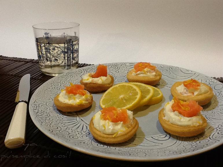 Tartellette con philadelphia e salmone, ricetta chic   Oya