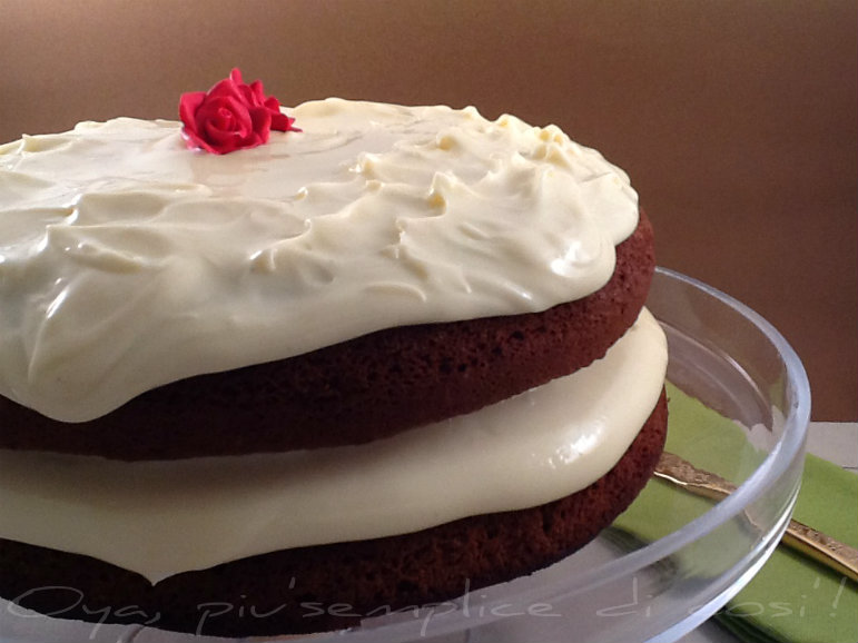 Torta al cioccolato con ganache al cioccolato bianco | Oya