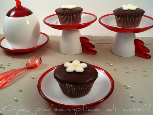 Cupcakes al cioccolato con glassa, ricetta