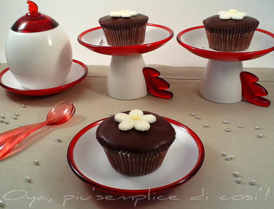 Cupcakes al cioccolato con glassa, ricetta | Oya